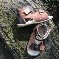 Emel Brown Leather Sandals E2435